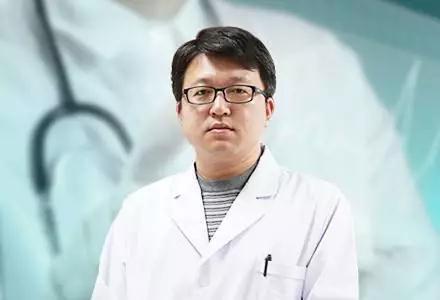 八大处整形专家郭鑫出任北京医科整形国贸门诊主任