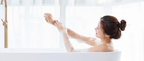 冬天过度洗澡易得干性湿疹,可活用艾灸调理